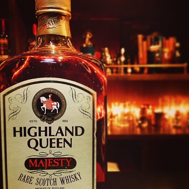 【new arrival blended malt】Highland Queen majesty (80's?) #bar #authenticbar #bartool #gyoutoku #gyotoku #highlandqueen #blendedmalt #blendedscotch  #blended #scotch #malt #whisky #oldbottle #ウイスキー #ブレンデッド #ブレンデッドウイスキー #バーツール #行徳