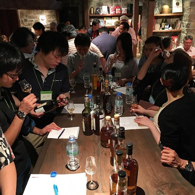 おみくじ引いた後、六本木某所にて#シングルモルト の試飲会。今回はスペイサイドにフォーカス。素敵。#bartool #bar #authenticbar #gyoutoku #gyotoku #singlemalt #バーツール #行徳