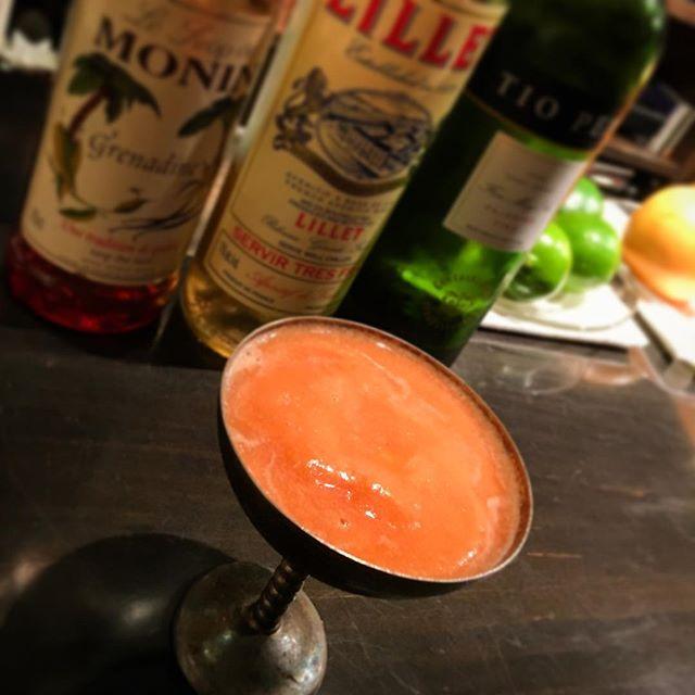 #深夜の実験 てほどのものでもないのですが。今年は猛暑予測だし、#スムージーカクテル でもやってみようかなーとメロンで試作。#bar #authenticbar #gyoutoku #gyotoku #smoothiecocktail #smoothie #cocktail #freshfruit  #freshfruitcocktail #バーツール #行徳 #カクテル #フレッシュフルーツカクテル #フレッシュフルーツ #スムージー