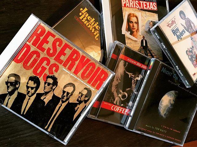 """音楽も夏っぽいものに変えようと思っていた矢先、#サントラ を聴くのが個人的ブームになり、そのままスライドしてお店でも流す機会が増えておりますw意外にも""""reservoir dogs""""とかかけても反応薄いのに一抹の寂しさを覚える今日このごろ(苦笑)。 #bartool #bar #authenticbar #gyoutoku #gyotoku #cd #soundtrack #行徳 #バーツール #サウンドトラック"""