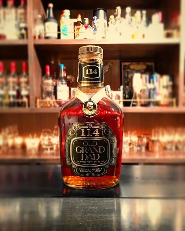 【new arrival bourbon】Old grand-dad 114 (80's?) #bar #authenticbar #bartool #bourbon #americanwhiskey #whiskey #oldbottle #oldgranddad #ウイスキー #バーボン #オールドグランダッド #アメリカンウイスキー #バーツール #行徳 #行徳bar #浦安 #船橋