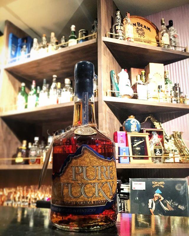 【new arrival bourbon】Pure Kentucky XO#bar #authenticbar #bartool #whiskey #bourbonwhiskey #bourbon #smallbatchbourbon #smallbatch #purekentucky #kentuckybourbondistillers #バーボン #ウイスキー #バーボンウイスキー #バーツール #行徳 #行徳bar #浦安 #船橋