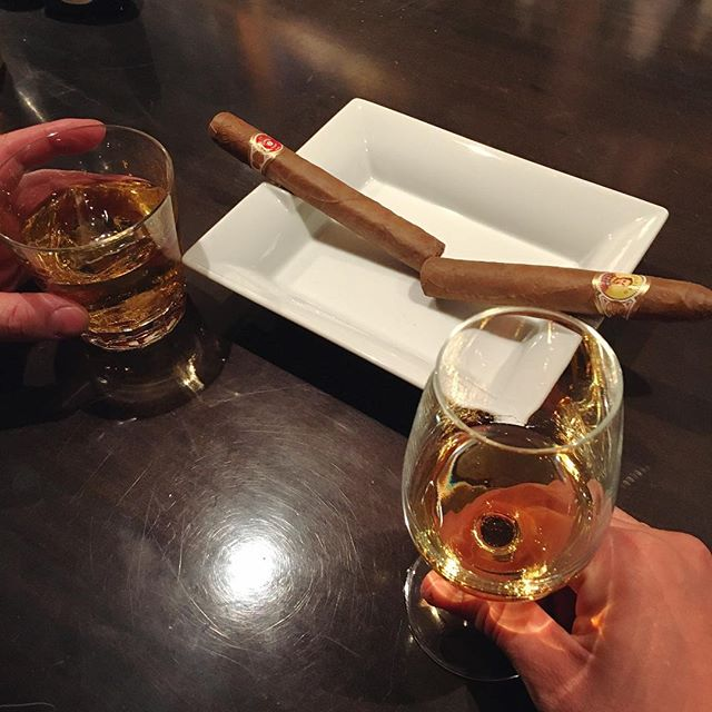 It was cheers for good work this week too .And #goodnight .Hope wonderful day tomorrow.#bartool #bar #authenticbar #cigar #calmdown #whisky #バーツール #行徳 #シガー #葉巻 #行徳BAR #浦安 #船橋