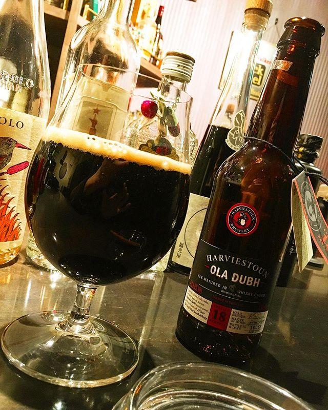 "Tasting.Harviestoun ""ola dubh"" (barrel aged beer / barrel from highland park distillery)#bartool #bar #authenticbar #barrelagedbeer #beer #harviestoun #harviestounbrewery #oladubh #highlandpark #cigar #バーツール #行徳 #シガー #葉巻 #バレルエイジドビール #ハービストン #ビール #ハイランドパーク #行徳BAR #浦安 #船橋"