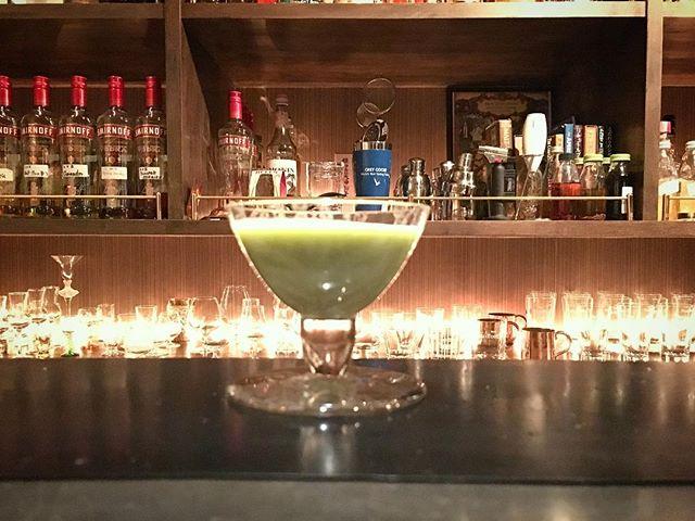 【Test making】asparagus,almond milk×gin悪くはないが捻りが足りない。。。誤差が思ったよりなかったのが原因だな(笑)。さて、どうやって捻ろうか。#bar #authenticbar #cocktail #asparagus #aspara #almondmilk #mixology #バーツール #行徳 #行徳BAR #カクテル #ミクソロジー #アスパラ #アスパラガス #アーモンドミルク #船橋 #浦安