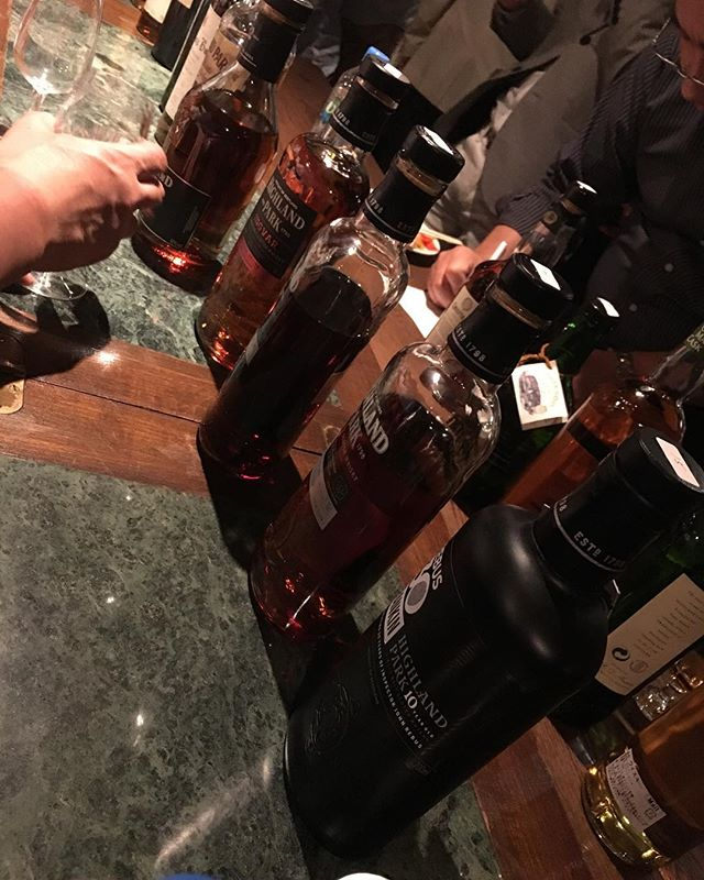 本日はハイランドパークの試飲会に参加しておりまする。一度にこれだけ同じ蒸溜所のものを飲み比べるのはそうそうないですな!それぞれに個性があって面白い。Slàinte mhath!#bar #authenticbar #bartool #slàintemhath #slaintemhath #slainte #scotch #singlemalt #singlemaltwhisky #whisky #highlandparkdistillery #highlandpark #スコッチ #スコッチウイスキー #ウイスキー #シングルモルト #シングルモルトウイスキー #ハイランドパーク #行徳 #行徳bar #船橋 #浦安