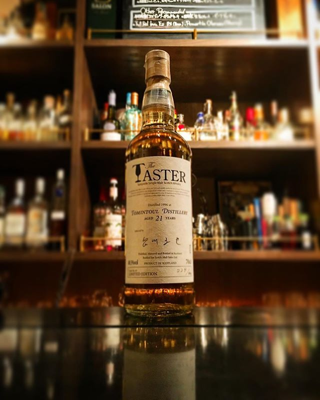 【new arrival single malt】Tomintoul 21y 48.5% (1996 distilled) / the taster (selected by Tatsuya Minagawa / Highlander Inn)#bar #authenticbar #bartool #tomintoul #tomintouldistillery #speyside #speysidemalt #speysidewhisky #scotch #singlemalt #singlemaltwhisky #whisky #highlanderinn #トミントール #スコッチ #スコッチウイスキー #ウイスキー #シングルモルト #シングルモルトウイスキー #スペイサイドモルト #スペイサイド #行徳 #行徳bar #船橋 #浦安