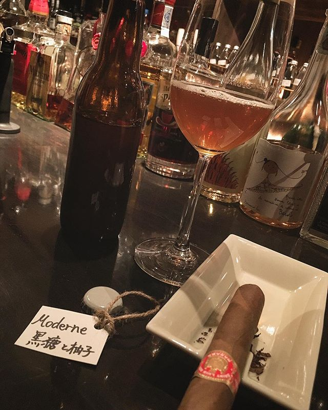 It was cheers for good work this week too.And #goodnight.Hope wonderful day tomorrow.#bartool #bar #authenticbar  #cigar #バーツール #葉巻 #シガー #行徳 #行徳BAR #浦安 #船橋